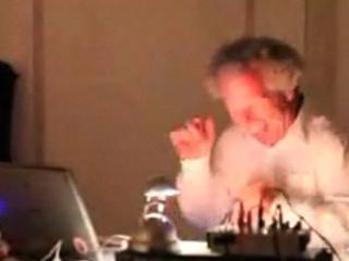 Šialený starý DJ